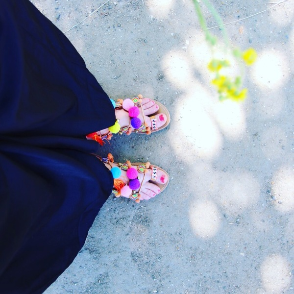 sandales-pompons-tendance-2016-seralyne