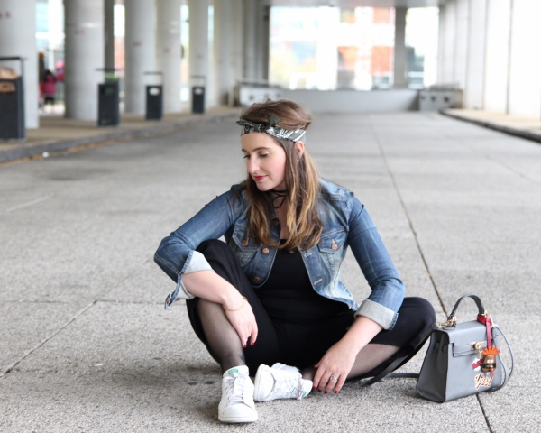 back-to-90s-tendance-90s-style-pacth-bandana-denim-seralynepointcom-90s-show-influencer-img_6102