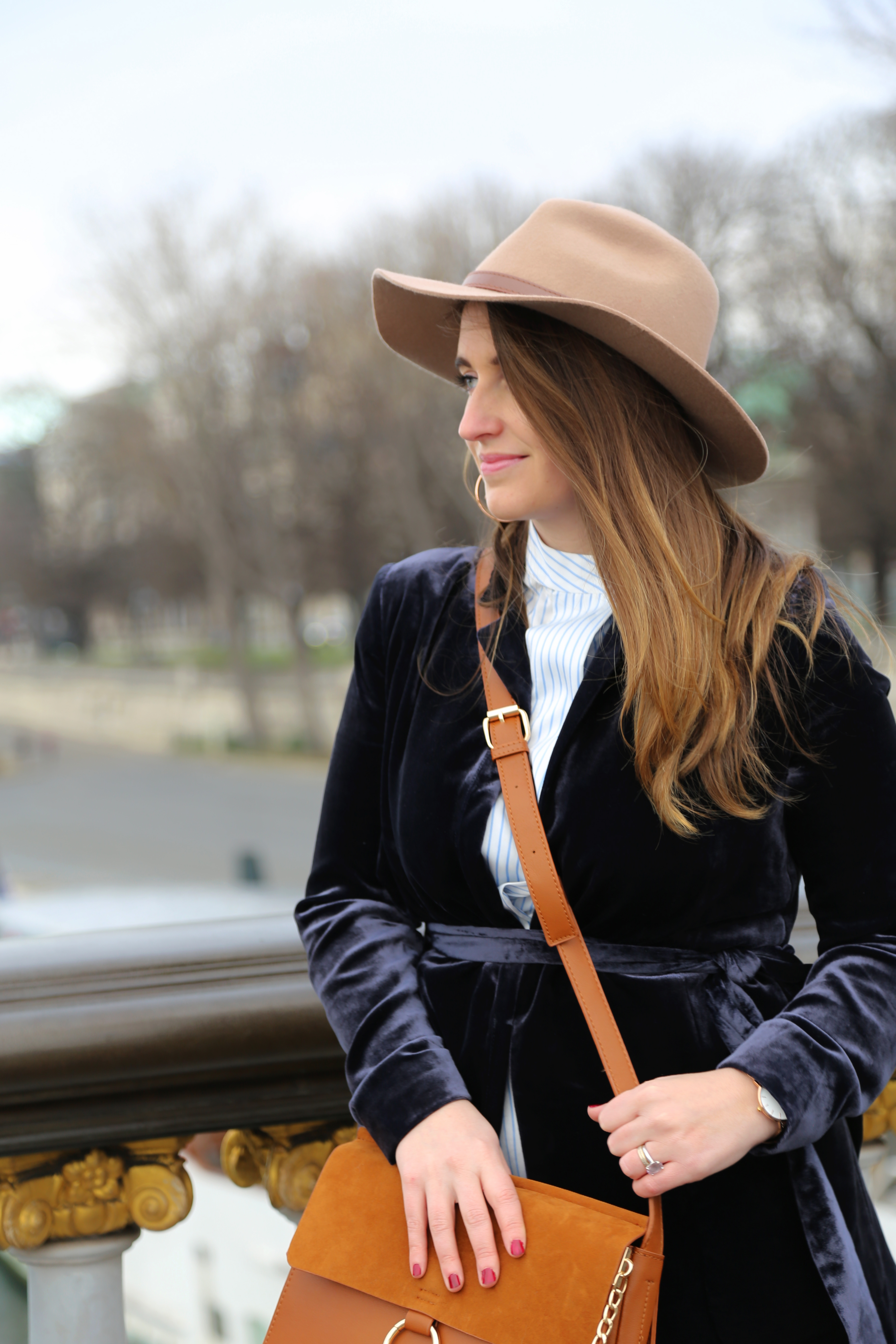 blue-velvet-jacket-mango-pontalexandre3-paris-seralynepointcom-img_9460