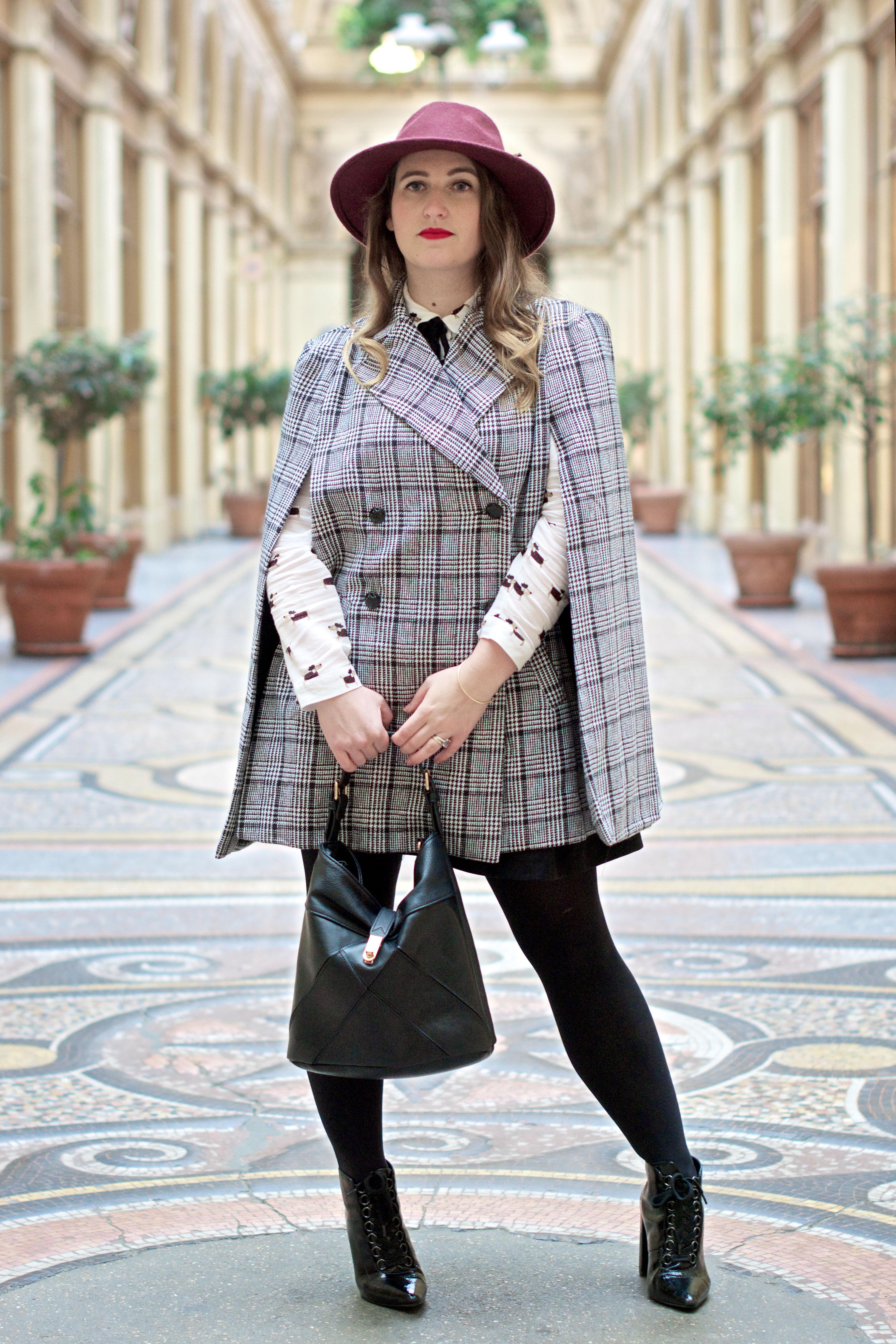 look-preppy-london-capetartan-shein-galeriesvivienne-paris-influencer-fashionblogger-chemiseretro-mango-jupepatineuse-bottineszara-vinyl-seralynepointcom_DSC3366